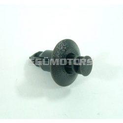 Műanyag rögzítő patent / bolha, benyomós, 8mm